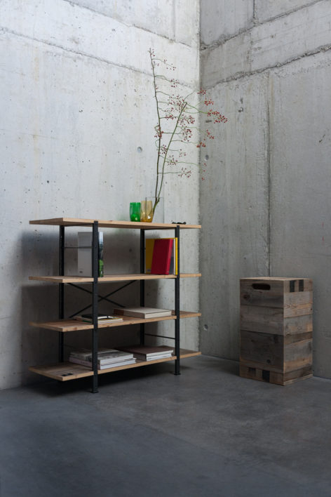 shabby chick regal aus altholz und stahl aus schweizer produktion. Black Bedroom Furniture Sets. Home Design Ideas